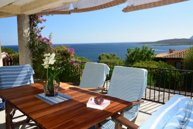 Porto Rotondo, Golfo di Marinella, Residenza Ladunia, esclusivo appartamento con vista panoramica e giardino