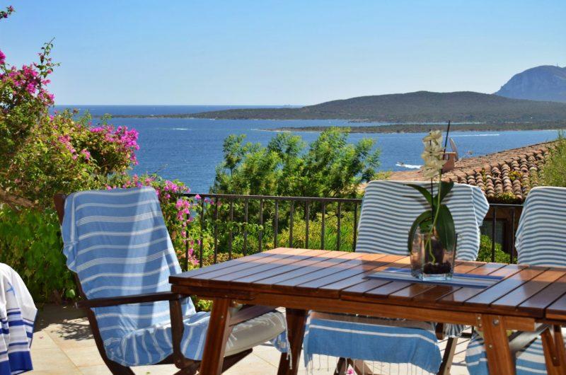 Porto Rotondo, Golfo di Marinella, in the Ladunia complex, exclusive apartment with panoramic view to the sea and garden